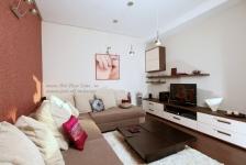 <h5>Living minimalist</h5><p>Mobilierul si decoratiunile sunt alese in stilul dorit de clientii nostri, simplu si confortabil.</p>