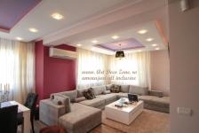 <h5>Living open space</h5><p>Design-ul acestui living luminos a fost creat in concordanta cu dorintele clientilor nostri. </p>