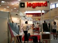 <h5>Birou pictura</h5><p>Lucrarile de arta au fost apreciate si ulterior folosite pentru amenajarea birourilor Legrand. </p>