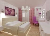 <h5>Culori calde</h5><p>Nuantele selectate pentru dormitorul matrimonial sunt variatii pe gama de crem, alb si bej, condimentate cu roz prafuit si lila.</p>