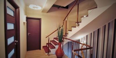 Hol, casa scarilor, balustrada