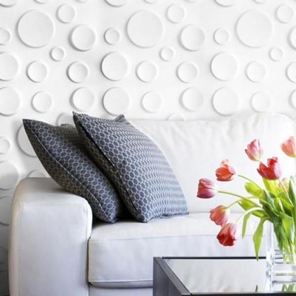 canapea cu perete decorat
