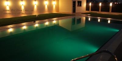 piscina superba, vedere de seara