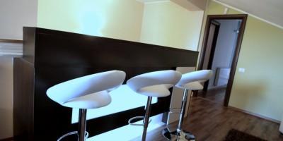 Bar cu lumina indirecta - mobilier la comanda